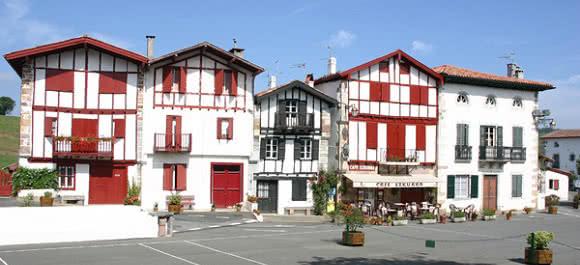 ainhoa_pyrenees-atlantiques