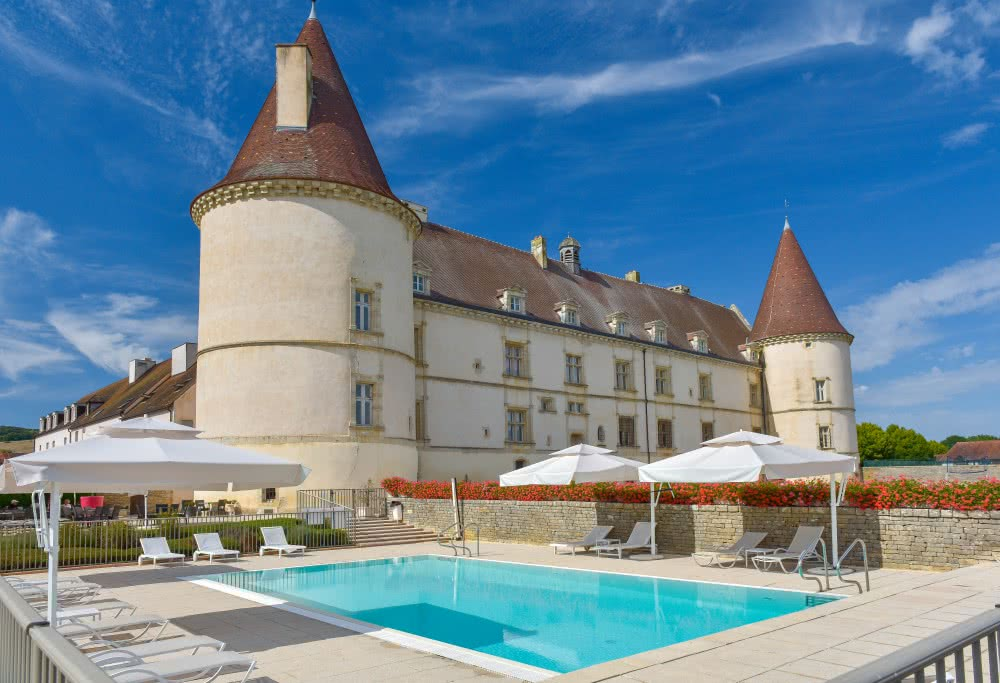 Le Chateau de Chailly, son golf, sa piscine.
