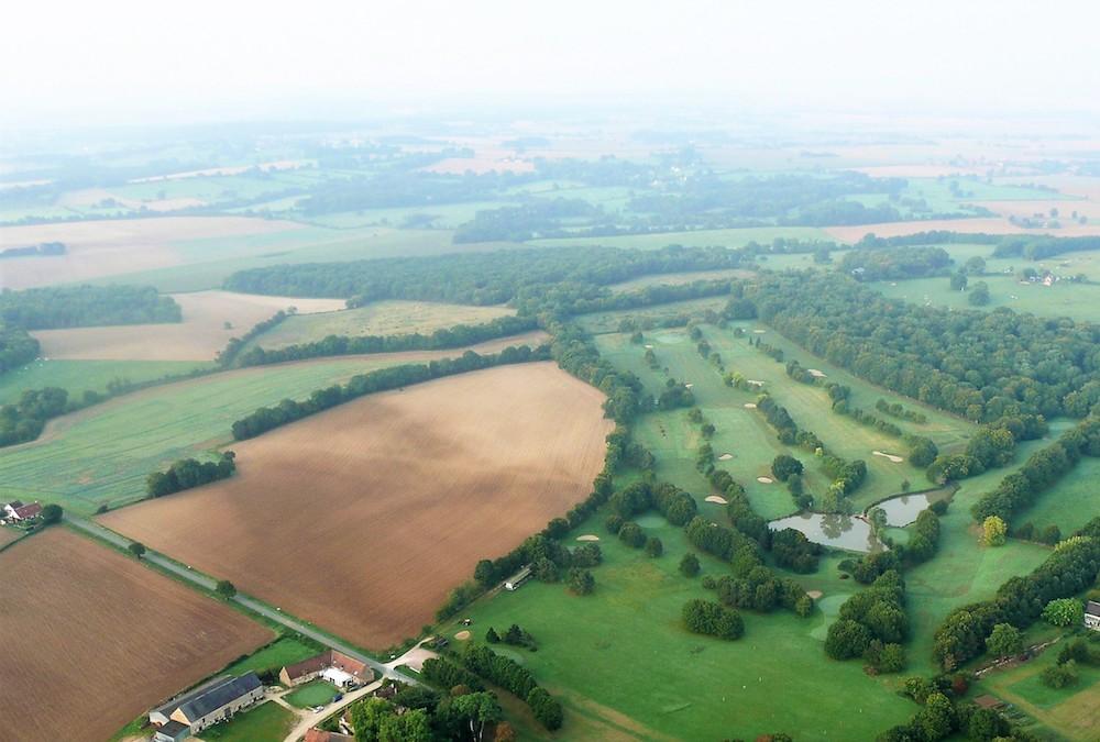 vue aérienne du golf de la vallée de Germigny