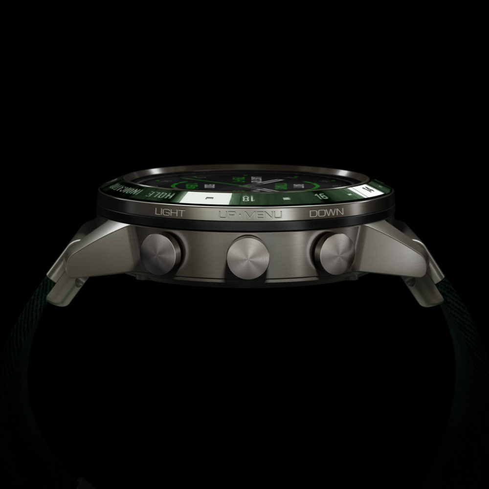 La montre Marq Golfer de Garmin vue de profil