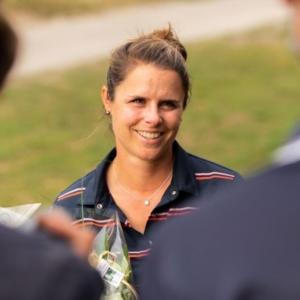 Portrait de Valentine Derrey, golfeuse professionnelle
